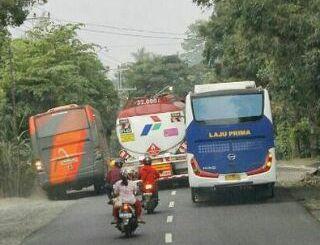 Daftar kamus dan istilah dalam dunia bus mania Indonesia