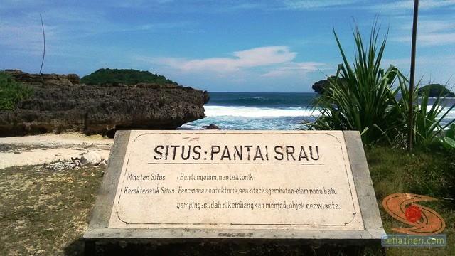 Pantai Srau Pacitan tahun 2015 (7)