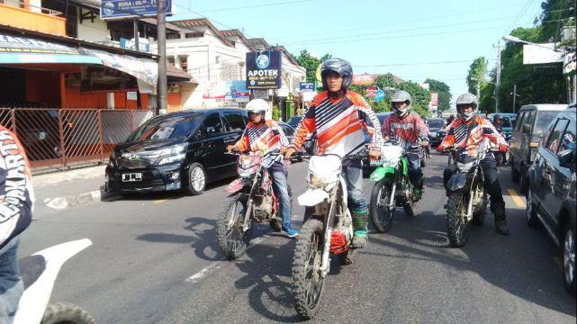 Motor trail mengiringi jenazah di Jogjakarta tahun 2015