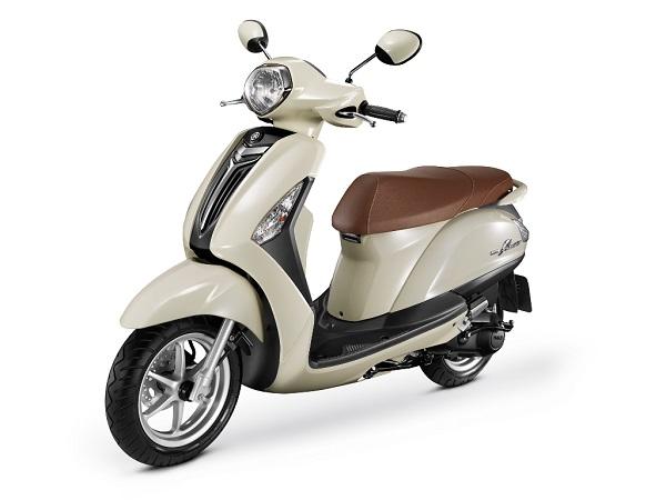 Yamaha Grand Filano New White di Indonesia tahun 2015