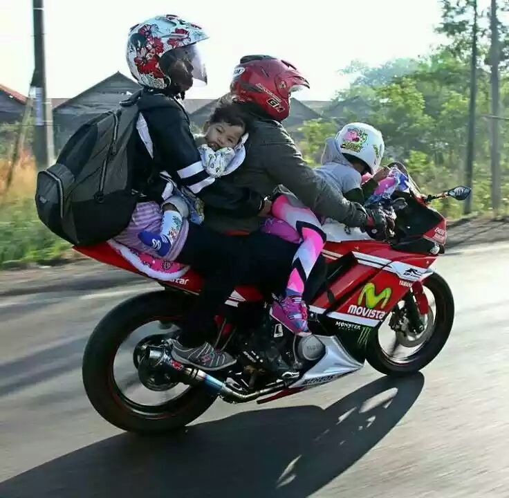 biker YZF R15 mau mudik kena bulliying