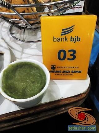 hidangan penutup di RM Pindang Musi Rawas Palembang