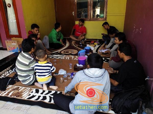 kopdar blogger gresik di rumah Teguh Abu Wafi tahun 2015