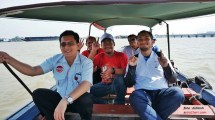 naik getek menuju pulau kemaro palembang