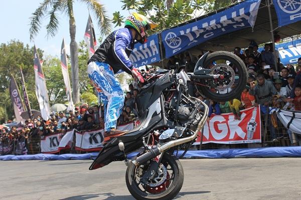 Aksi Wawan Tembong di seri 5 Yamaha Cup Race di Pati Jawa Tengah