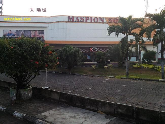Maspion Square alias Giant Margorejo