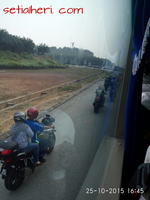 sepeda motor legal masuk tol di Malaysia