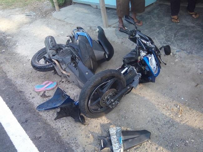 sepeda motor vario nopol E6433JF korban kecelakaan di sambogunung dukun gresik november 2015