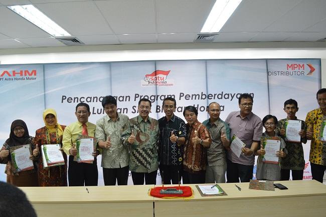 MOU PT MPM dengan SMK TSM di Jawa Timur tahun 2015 (2)
