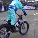 aksi motor Trial Yamaha (2)