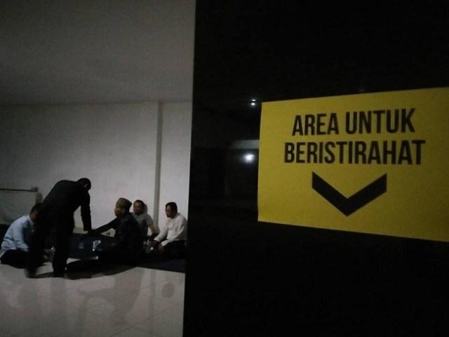 area istirahat di masjid ciamis