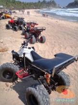 motor ATV di sekitar pantai klayar pacitan