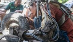 Tawan tukang las dari bali bertangan robot