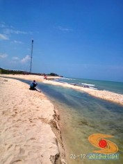 piknik ke pantai pasir putih remen jenu tuban tahun 2015 (14)