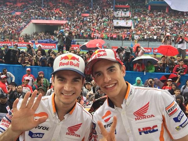Marc Marquez dan Dani Pedrosa di Sirkuit Sentul Indonesia tanggal 14 Pebruari 2016 (2)