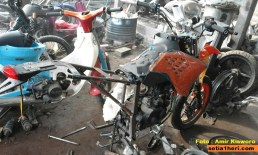 modifikasi bajaj pulsar 200 menjadi supermoto KTM 250 SX punya amir kisworo asal ponorogo tahun 2016 (15)