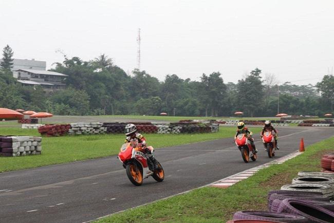 pembalap honda AHRT berlatih intensif di sirkuit sentul 3 februari 2016 (2)