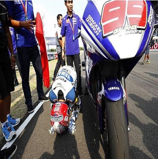 Galang Hendra dengan YZF-R25 di seri kedua ARRC 2016 di Chang International Circuit Thailand (2)
