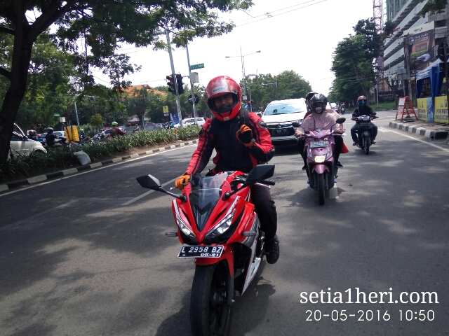 Honda All New CBR150R tahun 2016 dibuat riding harian~03