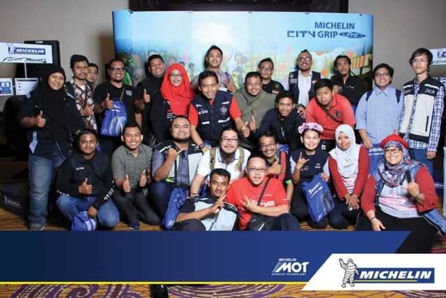 Komunitas motor dalam peluncuran ban michelin city grip pro di Kota Surabaya tanggal 3 Juni 2016
