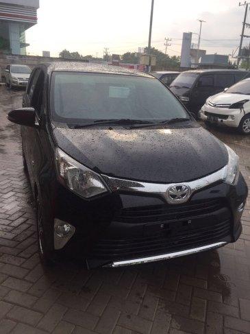 Toyota Calya warna hitam tahun 2016