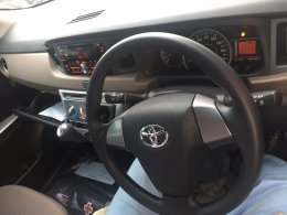 dashboard Toyota Calya warna hitam tahun 2016