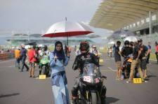 umbrell girls muslimah di balapan malaysia tahun 2016 (6)