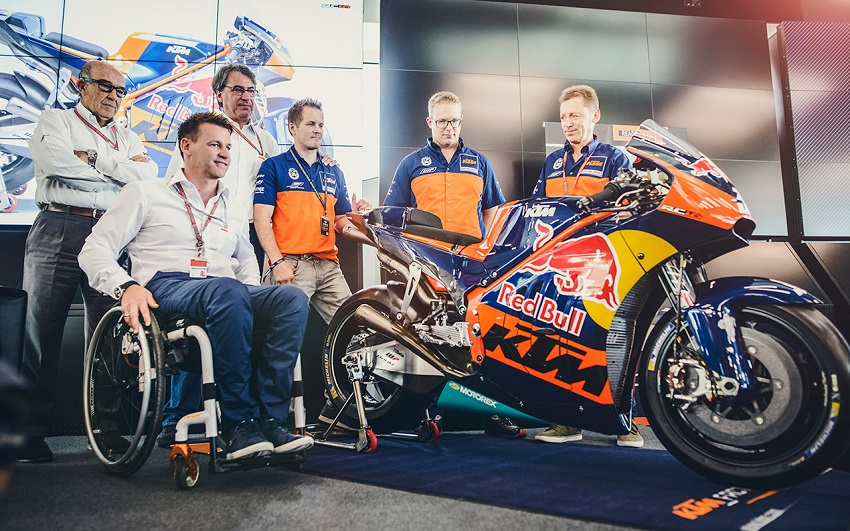 press-conference-ktm-rc16