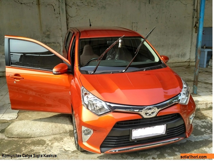 Toyota Calya G MT warna orange cantik