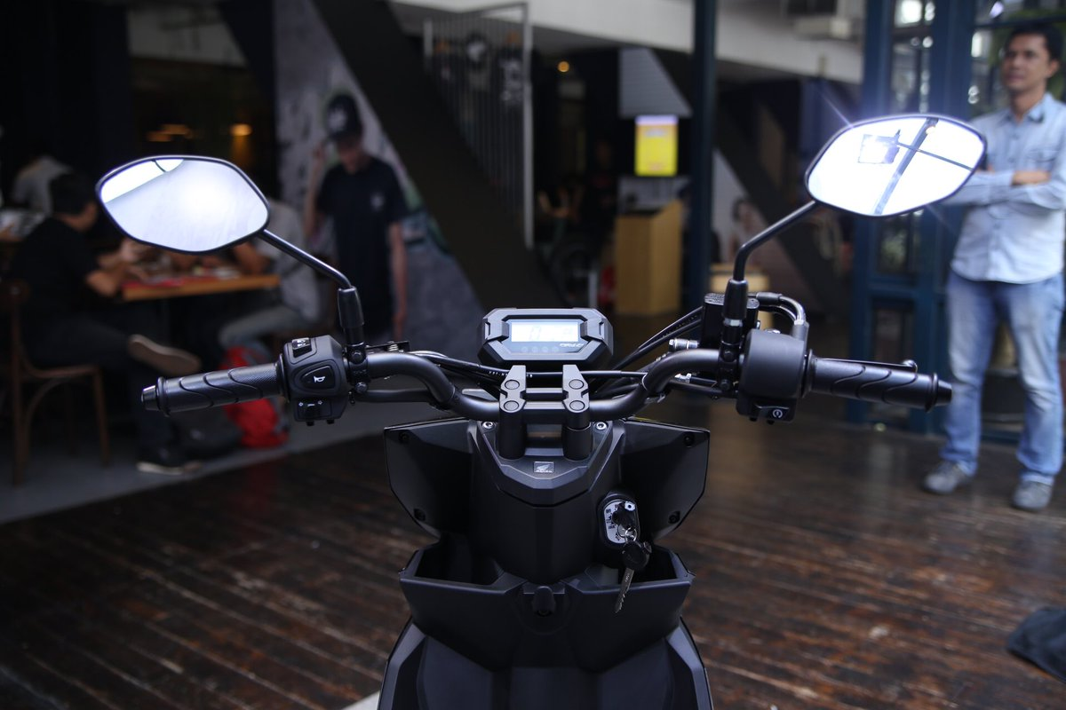 Biar Lebih Gagah Stang Bar Honda BeAT Street Menggoda Untuk Dimodif