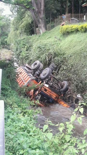 Kecelakaan di Tanjakan akibat rem blong