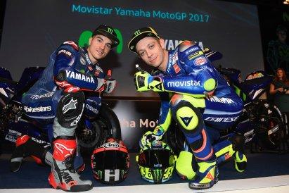 rossi dan vinales tim yamaha movistrar musim motogp 2017