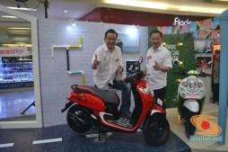 suwito dan dandy sean pimpinan MPM Motor bersama scoopy