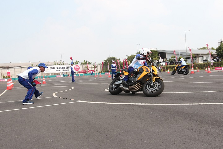 Lomba Astra Honda Safety Riding Instructor Competition (AHSRIC) 2017 di Surabaya