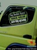 tulisan stiker di truk canter