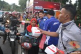 yamaha jatim bagi takjil bersama polantas surabaya dan biker yamaha aerox tahun 2017 (6)