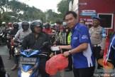 yamaha jatim bagi takjil bersama polantas surabaya dan biker yamaha aerox tahun 2017 (8)
