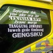 Kumpulan Tulisan lucu di kaca samping truk ....hehehe....gokil 2017 (19)