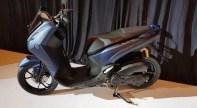 Penampakan Yamaha Lexi 125 cc tahun 2018...mirip adiknya NMAX gans.. (14)