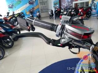 gambar detail Modifikasi sadis Suzuki GSX S 150 dari Kota Pahlawan tahun 2018 (23)
