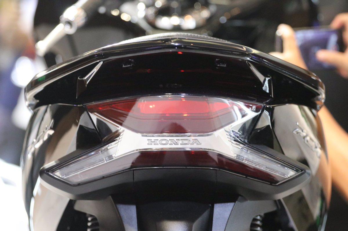 gambar detail fitur Honda PCX 150 lokal Indonesia tahun 2018