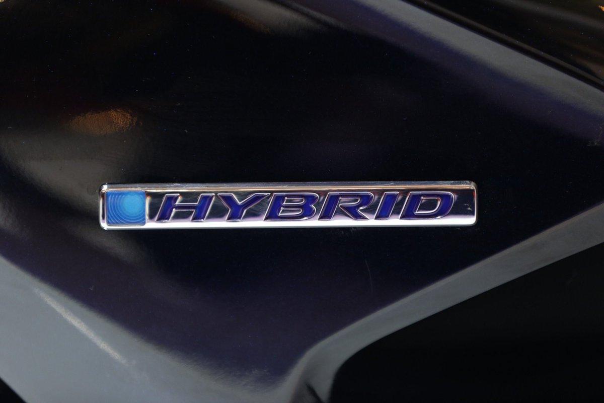 emblem honda pcx hybrid di Indonesia tahun 2018