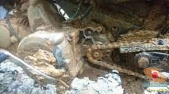 gambar 7 detail ojek motor cadas di tengah hutan