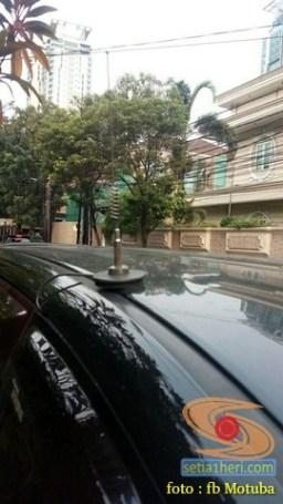 ragam posisi antena HT di mobil bagian atas