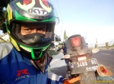 Serunya blogger setia1heri manasin mesin Suzuki GSX R 150 alias si 3C0 buat sungkem emak di Tuban (17)
