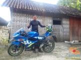 Serunya blogger setia1heri manasin mesin Suzuki GSX R 150 alias si 3C0 buat sungkem emak di Tuban (5)