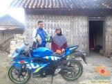 Serunya blogger setia1heri manasin mesin Suzuki GSX R 150 alias si 3C0 buat sungkem emak di Tuban (9)
