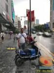 Den Manto dan penampakan roda dua dan sepeda listrik di Ninjiang, Shanghai, China (4)