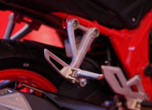 pijakan kaki aluminium Honda CB150R StreetFire tahun 2018