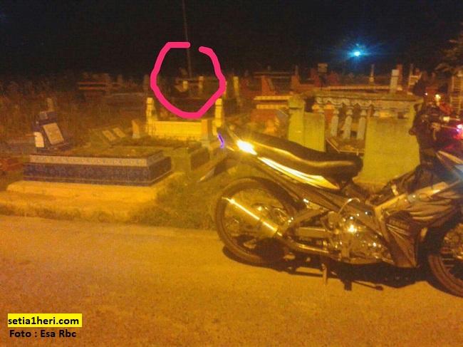 Pengalaman warganet naik motor mogok ditengah kuburan ketika malam...hiiiiii atuttttt